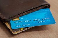 Featured image: Cashback vs. Rewards: Credit Card Showdown