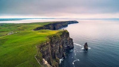 Featured image: How To Save Money On Travel: Explore Ireland On A Budget