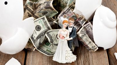Featured image: The Ultimate Budgeting Plan for Your Upcoming Wedding Expenses