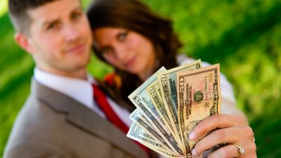 Featured image: Honeymoon Over? How to Budget With Your Spouse