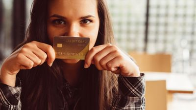 Featured image: 5 Credit Card Mistakes that Could Ruin Your Financial Life