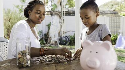 Featured image: Single Parent's Guide to Saving Money